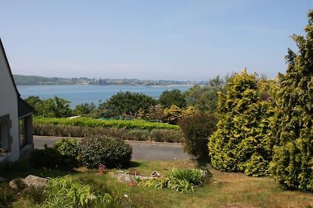 Maison vue panoramique sur mer - Kerbors - Haus