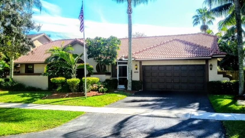 cooper city big and beautiful singles Cooper city, fl someplace someplace special view the gallery now available in cooper city 2 bedroom 1 bath single family home car port and a big fully.