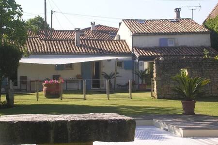 Maison charentaise avec piscine - Nieulle-sur-Seudre