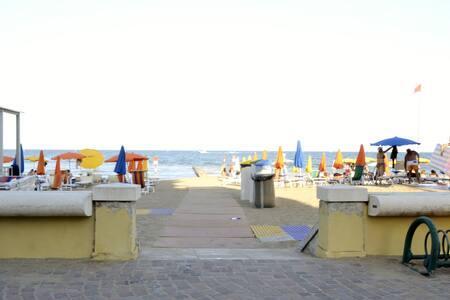 Moderno Appartamento fronte mare - spiagia libera - Lignano Sabbiadoro - Apartment