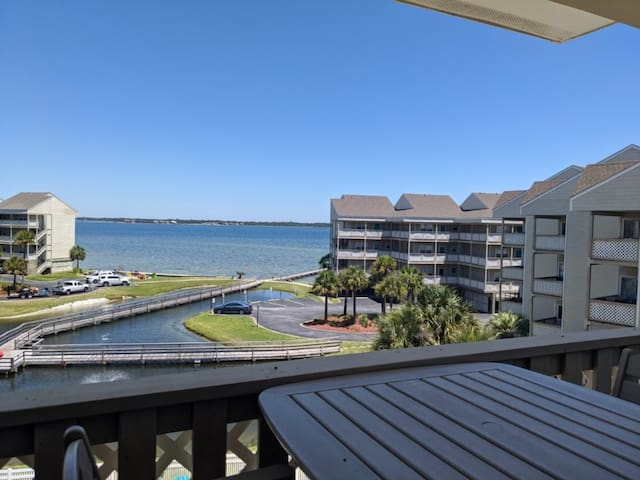 Baywatch G7 - Great views of Pensacola Bay