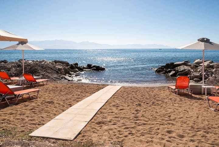 Beachfront Premium Flat - Breakfast included