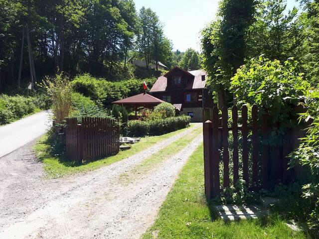 Chata w Suchej Beskidzkiej