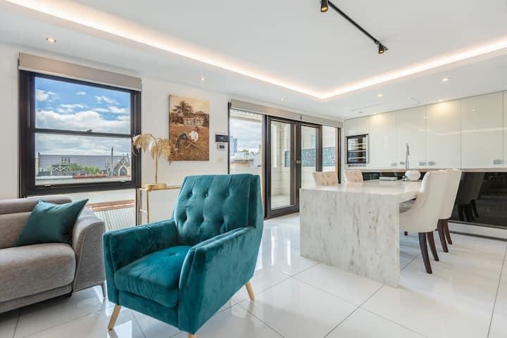 *LUXE* Zen-inspired Designer Home w/ city views