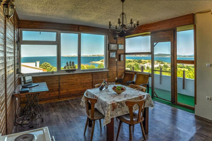 Top floor of Villa Sunrise - Sozopol - Apartment