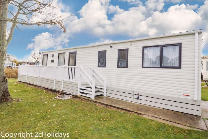 6 berth luxury holiday home at Carlton meres holiday park ref 60021