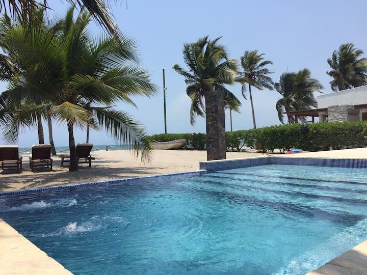 Casa Zular. Frente al Mar Caribe.
