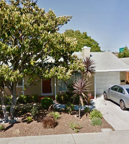 3/1 Single Family Home in Quiet San Mateo Village - San Mateo - Maison