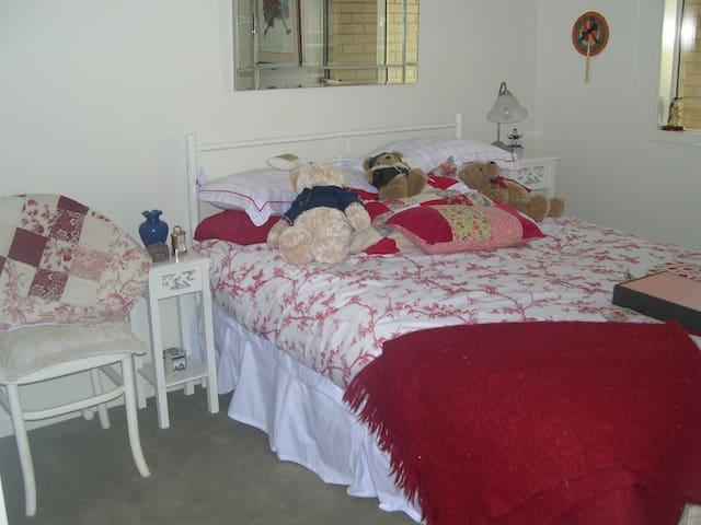 Cosy 2 bedroom modern space bacchus marsh