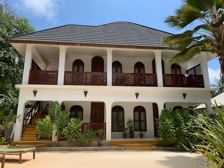 Nungwi Retreat -  4 guest rooms (sleeps up to 10)