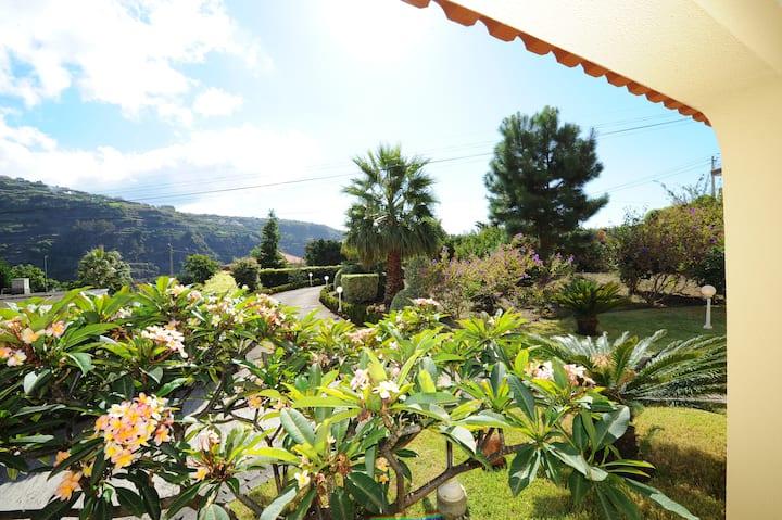 Villa Atlântico | Beautiful Gardens | Ponta do Sol