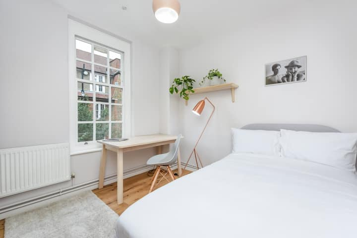 Room in brand-new apartment