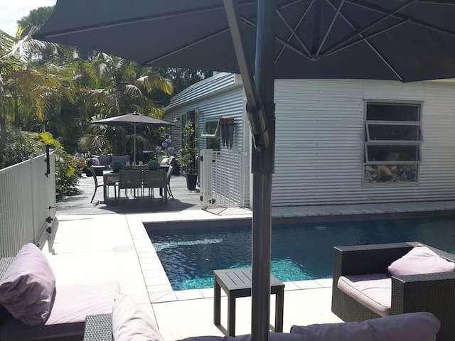 The Pool House - Tauranga