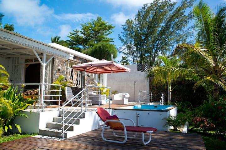 Bougainvilliers - Grand Gaube, Mauritius