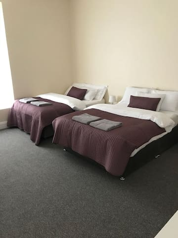 2 Double Beds in a Room
