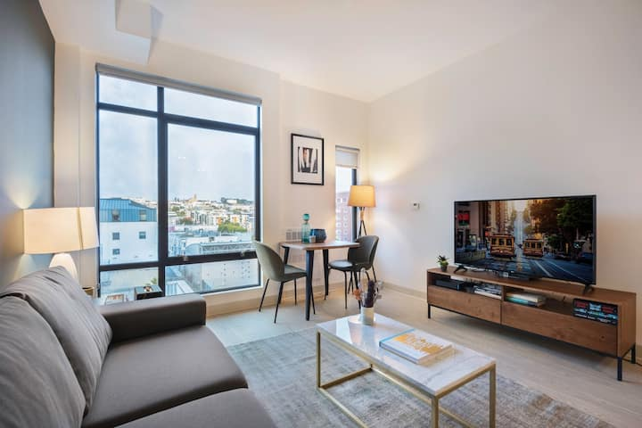 Open Hayes Valley Studio w/ Rooftop, W/D, 1 min to BART by Blueground