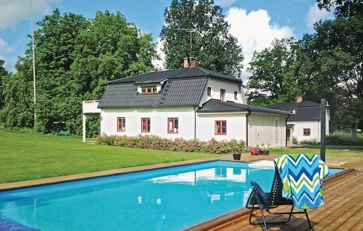 Amazing home in Malmköping with WiFi and 5 Bedrooms