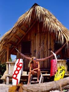 Buen Hombre Beach Bungalow & kitesurf lesson! - Monte Cristi - Bungalow