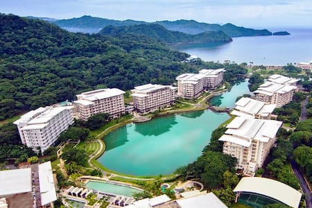 Paradise Stay at Pico de Loro Beach & Country Club - Alfonso