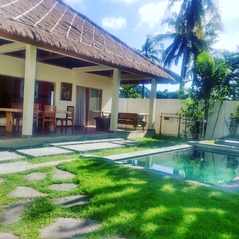 luxury private villa in Selong Belanak