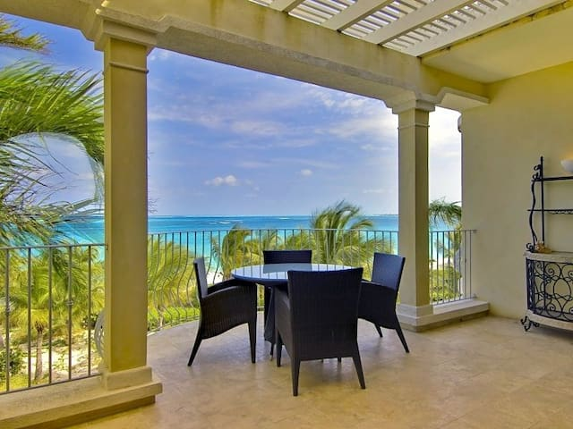 AWESOME VIEWS!  2BR OCEANFRONT GRACE BAY PENTHOUSE