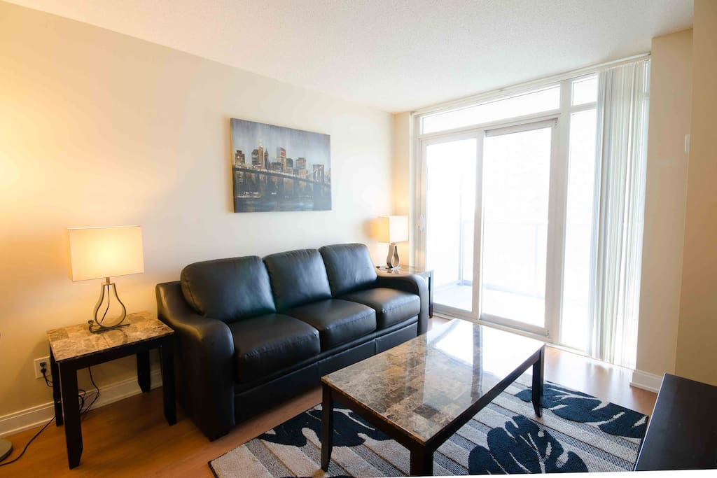Junior 2 bedroom near square one mississauga apartments for rent in mississauga ontario for One bedroom apartment mississauga