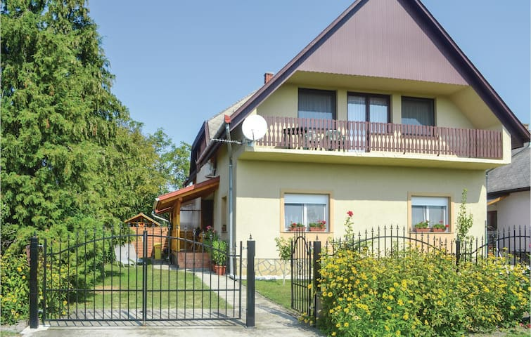 Holiday apartment with 3 bedrooms on 87m² in Balatonfenyves