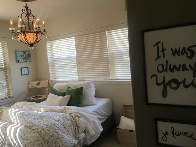 Cozy and quaint bedroom on max!