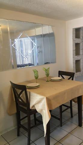 APTO. ENTERO,  A 10 MIN. DE LA LINEA INTERNACIONAL - Tijuana - Apartment