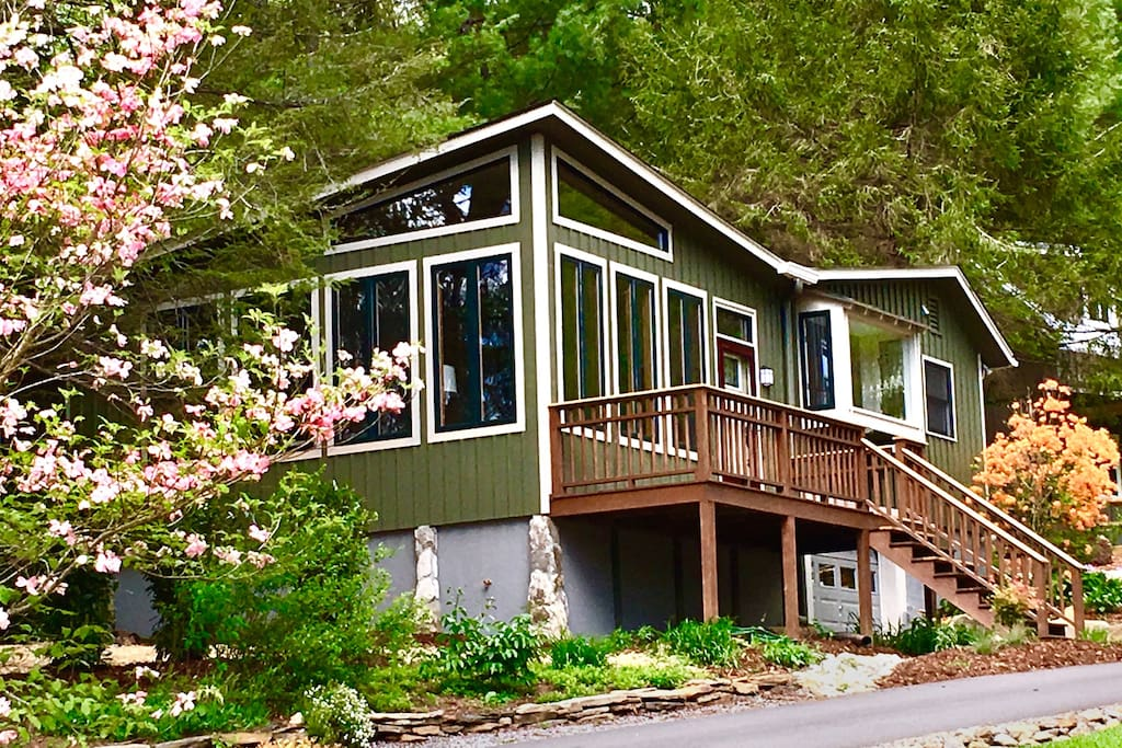 Rustling Pine is a modern meets country cottage style home in a lovely neighborhood in Black Mountain.