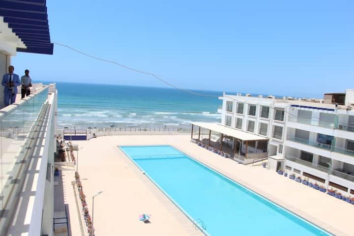 appartement pied dans l'eau adan beach