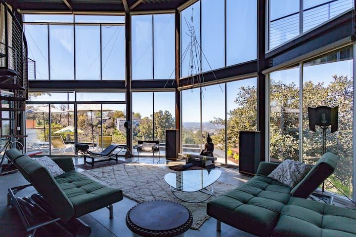 Unique modern Hilltop w/ Pool & spectacular views