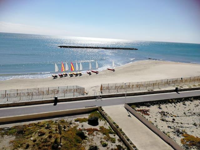 Palavas-les- flots F3, vue mer (première ligne)