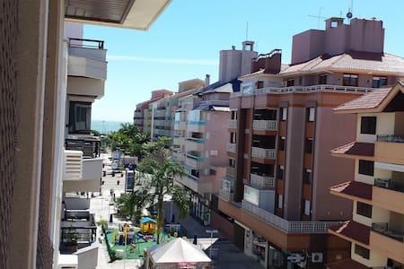 Jurerê Internacional, apto 2 quartos e 2 banheiros - Florianópolis