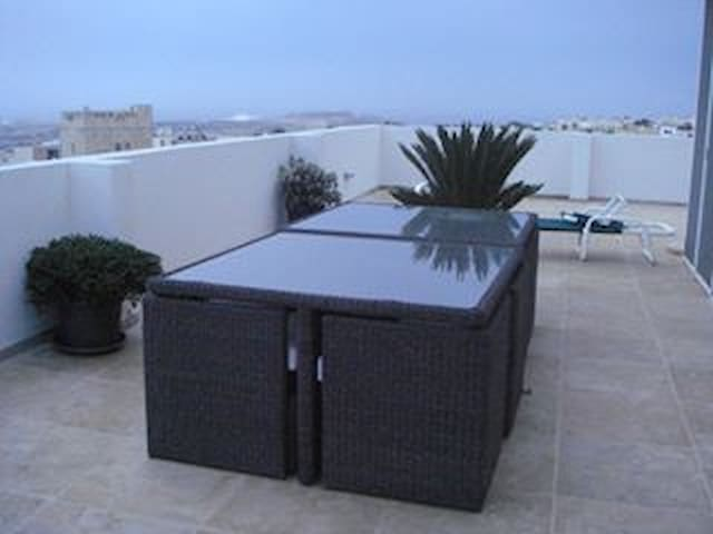Beautiful penthouse with pool,2 rms x 2 beds each - Naxxar - Apartment