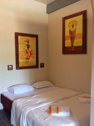 PJs Beach Hotel - Arugam Bay - Bed & Breakfast