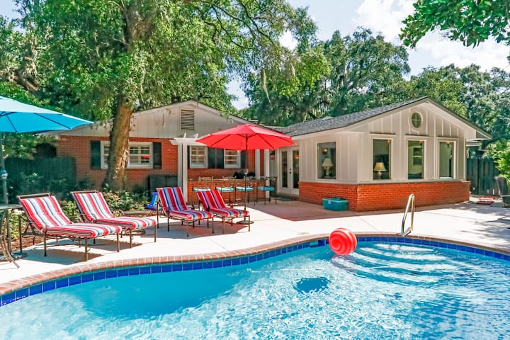 Spacious & renovated home, great location with a private pool on SSI