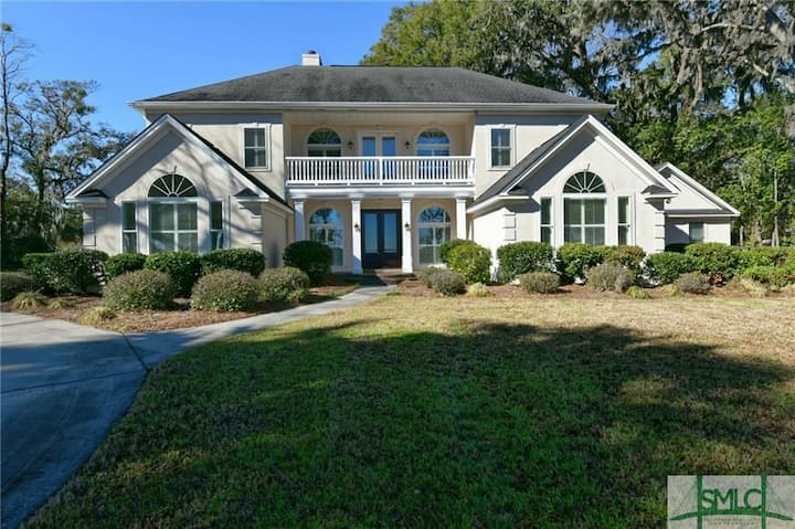 Beautiful home on the water - a southern charm!