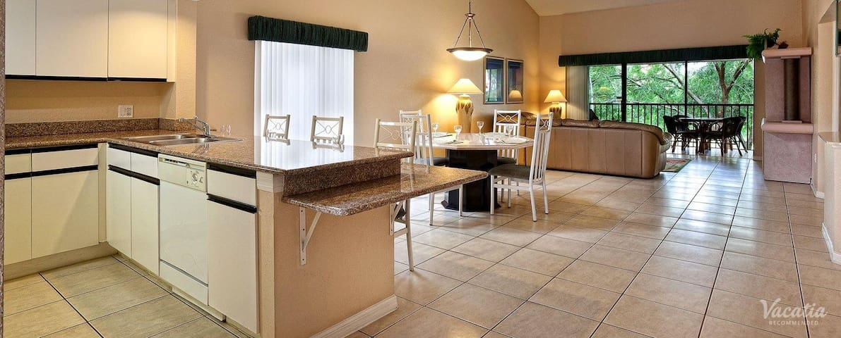 ORLANDO GREAT OFFER !!! Accommodate 12 - Kissimmee - Apartamento