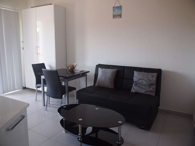 Modern Apartment close to St. Julians - Swieqi - Apartamento