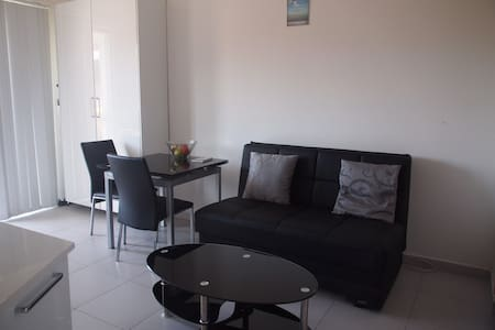 Modern Apartment close to St. Julians - Swieqi