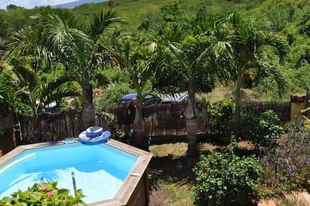 Rez de jardin avec accès piscine 2/4 pers