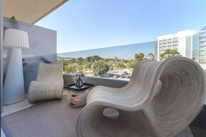 Brand New Flat at D'en Bossa beach up to 4 guests.