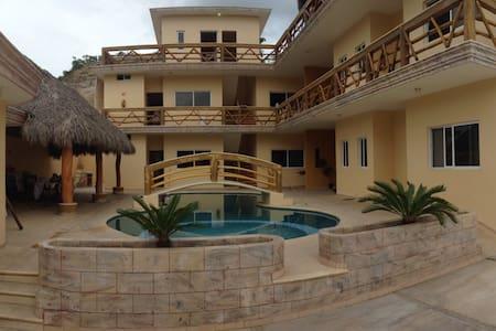 La Casa Persea, 6 bungalows - El aguacate
