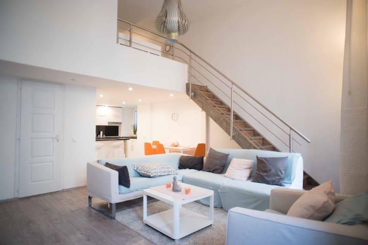 Unique, modern, authentic home in the city centre
