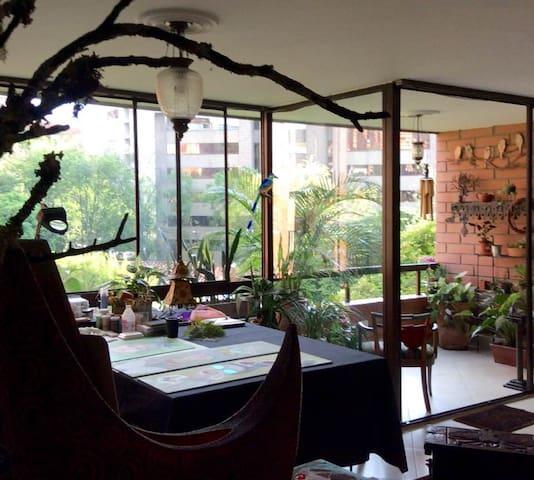 BEST OF POBLADOclose toLLERAS PARK. - Medellín - Apartment