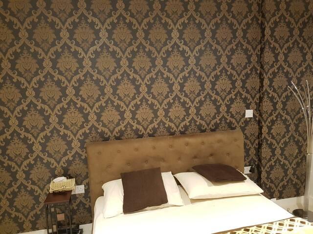 Beautiful Double Bedroom in a Modern Luxury Flat