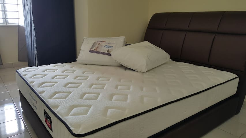 Private Bedroom,Queen bed,Amenities - Kota Kinabalu - Apartment
