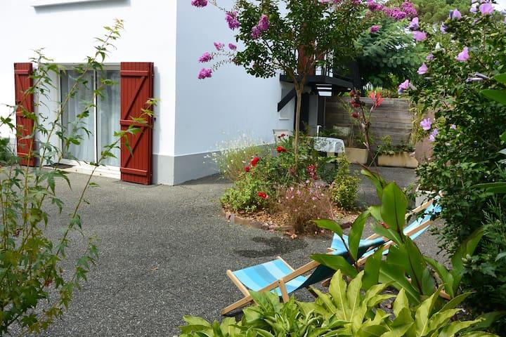 Studio 2* Cambo les Bains proche Thermes et centre
