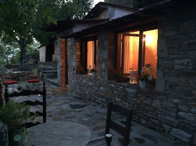 Grove Cottage Pelion